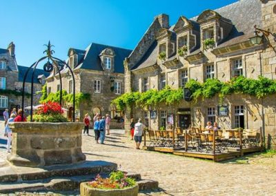 Locronan plus beau village de France