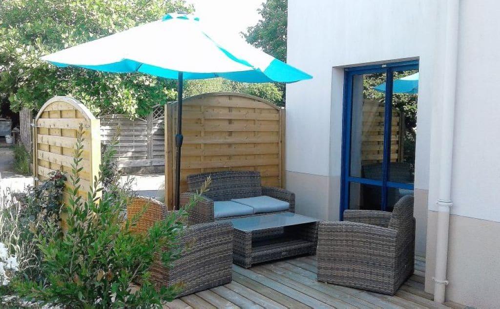 Terrasse pour l'hébergement en duplex